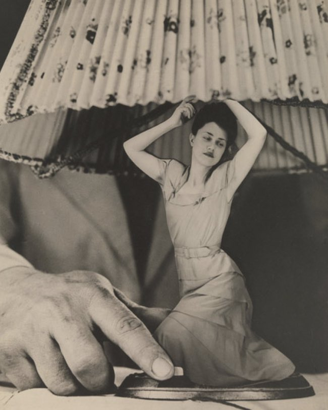 Grete Stern (Argentinian, born Germany, 1904-1999) Sueño No. 1: Articulos eléctricos para el hogar Dream No. 1: Electrical Appliances for the Home 1948